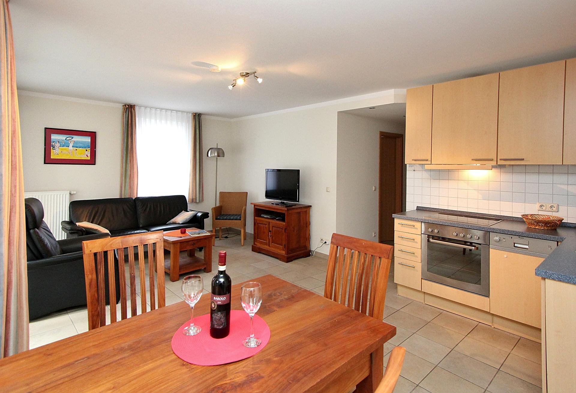 01 wohnraum mit küche